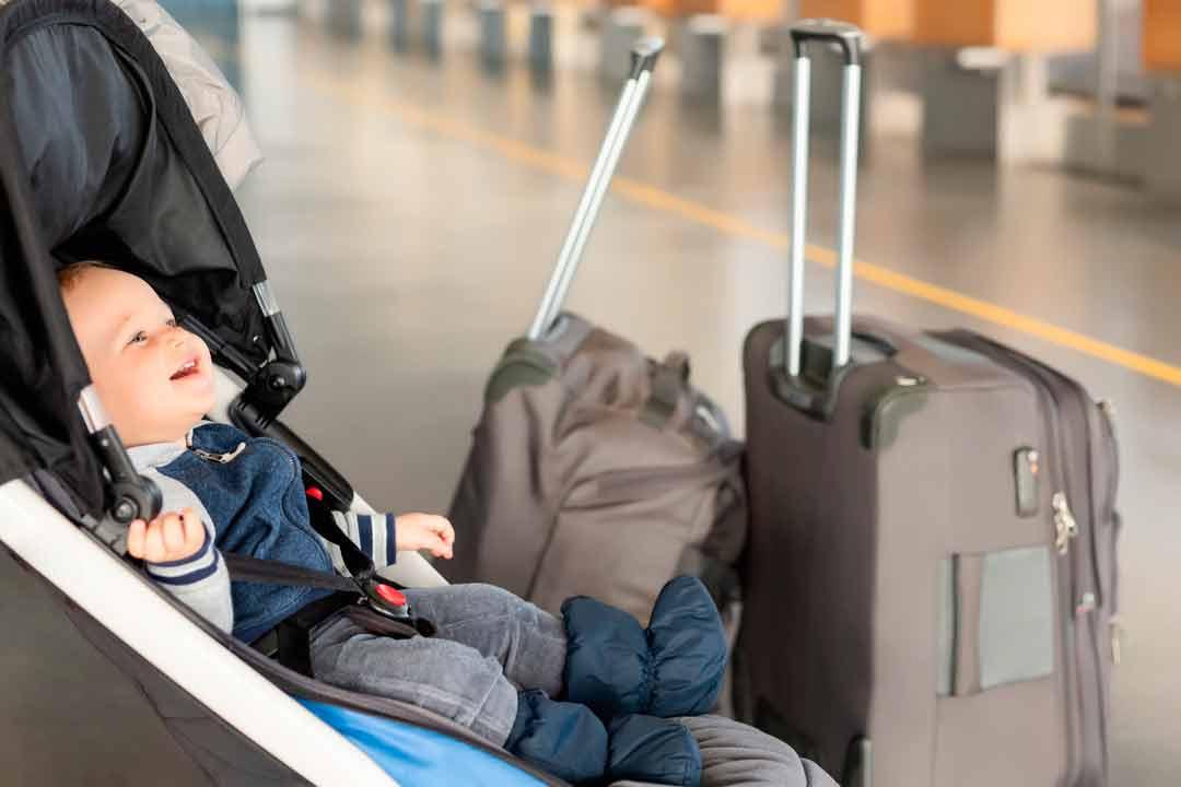 bambini-in-aereo